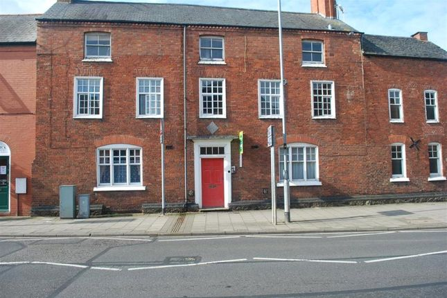 Thumbnail Flat to rent in High Street, Syston, Leicester, Leicestershire
