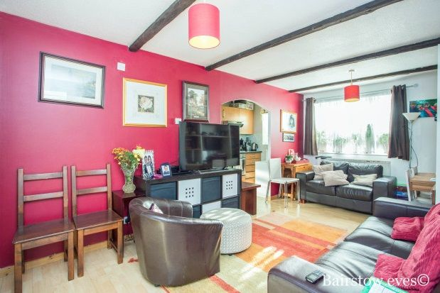 Flats to Let in Springwood Crescent, Edgware HA8 - Apartments to ...