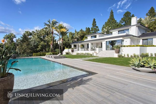 Thumbnail Villa for sale in Marbella, Costa Del Sol, Spain
