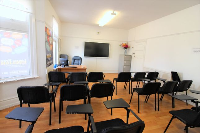 Thumbnail Office to let in High Road, Seven Kings