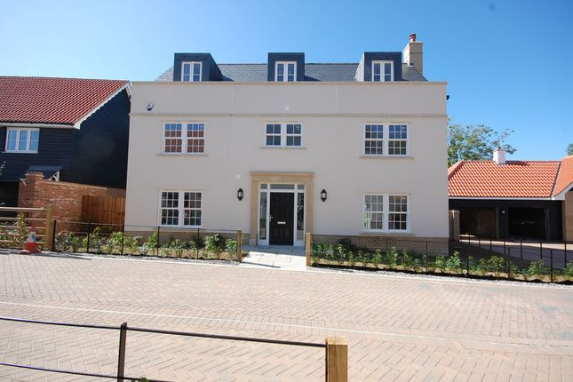 Detached house for sale in Coxtie Green, Brentwood