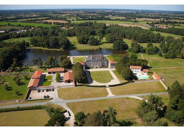Thumbnail Property for sale in 85000, La Roche Sur Yon, Fr