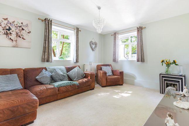 3 bed flat for sale in Lawrie Park Gardens, Sydenham, London SE26