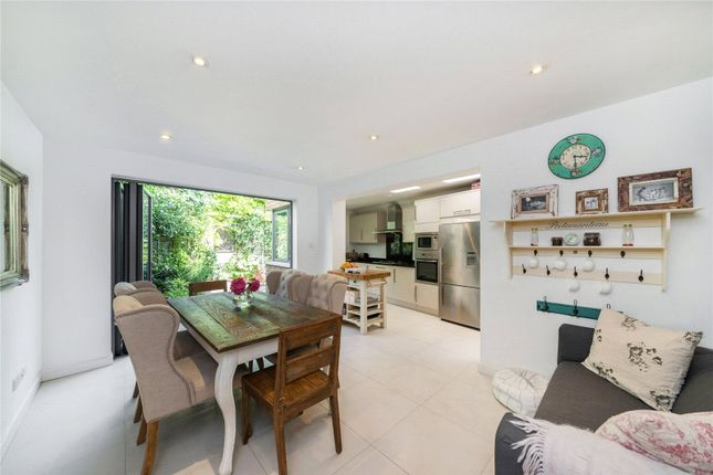 Thumbnail Property to rent in Stephendale Road, Fulham, London