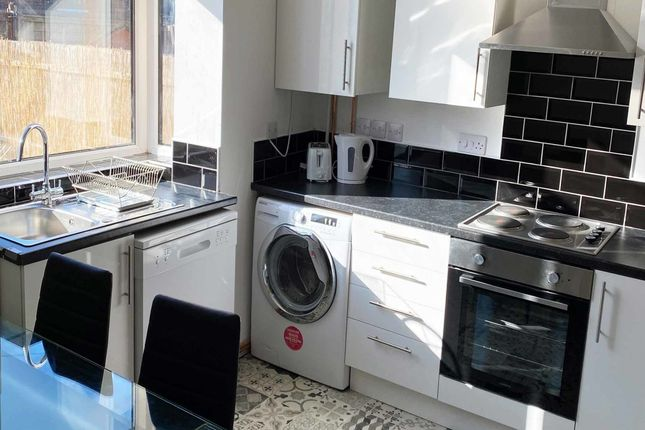Thumbnail Flat to rent in Thorne Street, Farnworth