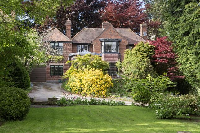 Thumbnail Detached house for sale in Manor Road, Kenilworth