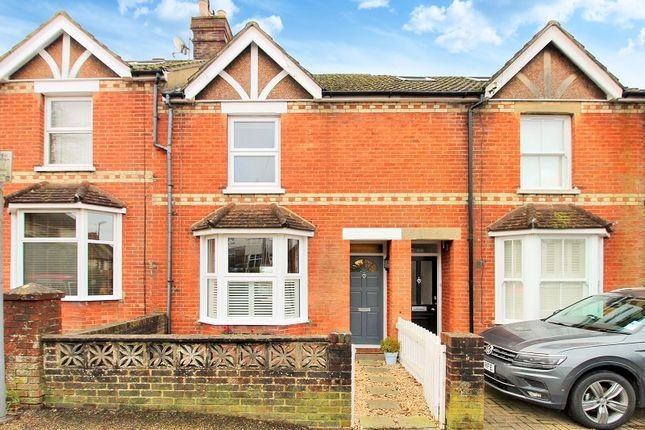 Thumbnail Terraced house for sale in Oakhill Road, Horsham, West Sussex.