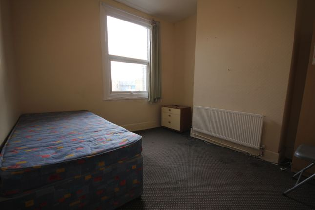 Thumbnail Room to rent in New Heston Road, Heston