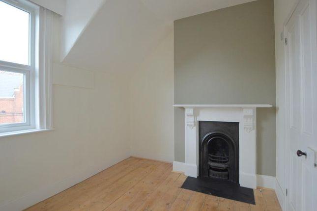 Flat 4 24 Haldon Road - Bed