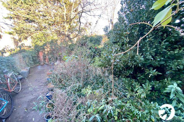 Picture No. 01 of Billington Road, London SE14