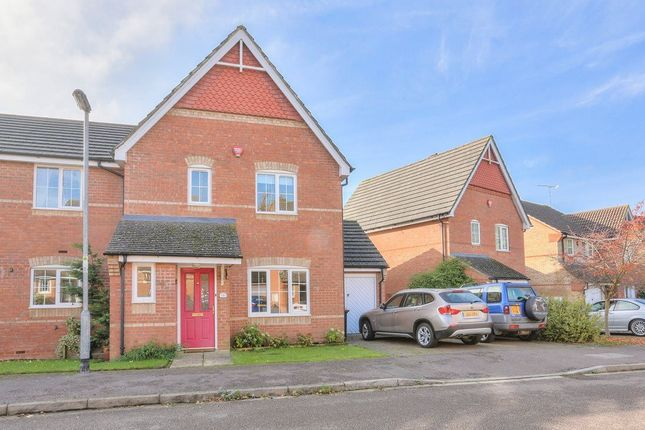 Thumbnail Property to rent in Winchfield, Caddington, Beds