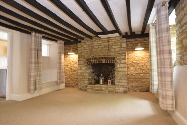 Thumbnail Cottage to rent in High Street, Stonesfield, Witney