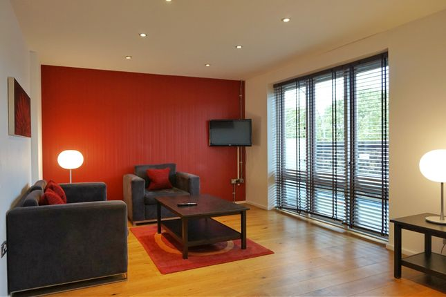 2 bed flat for sale in Tower Bridge Road, London Bridge