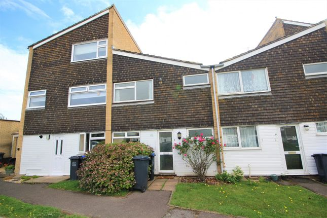 3 bed property to rent in Cedar Close, Lancing BN15