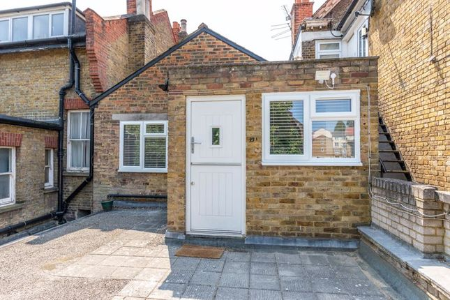 2 bed flat to rent in High Street, Walton-On-Thames KT12