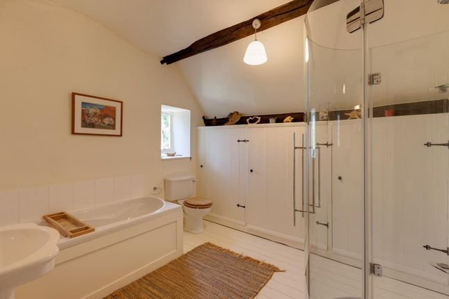 Family Bathroom of High Street, Dronfield S18
