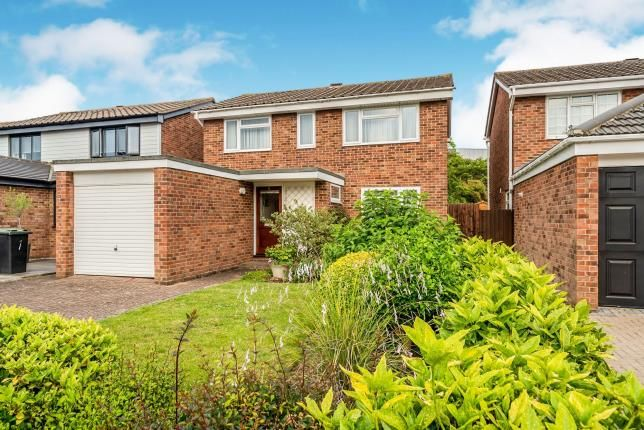 Front of Clovelly Way, Bedford, Bedfordshire MK40
