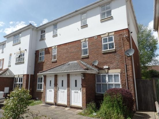 Thumbnail Flat to rent in Tollgate Drive, Hayes