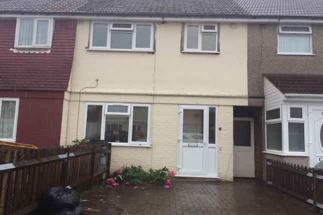 Terraced house to rent in Ashford Avenue, Hayes