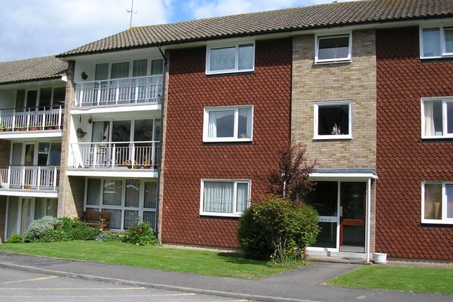Thumbnail Flat to rent in Basinghall Gardens, Sutton