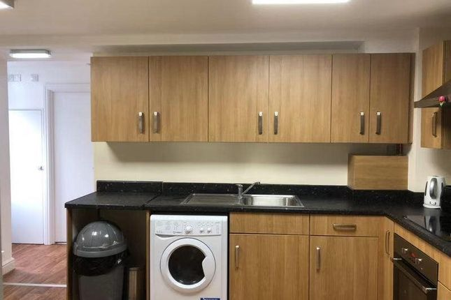 Thumbnail Property for sale in Dolphin Court, Coventry