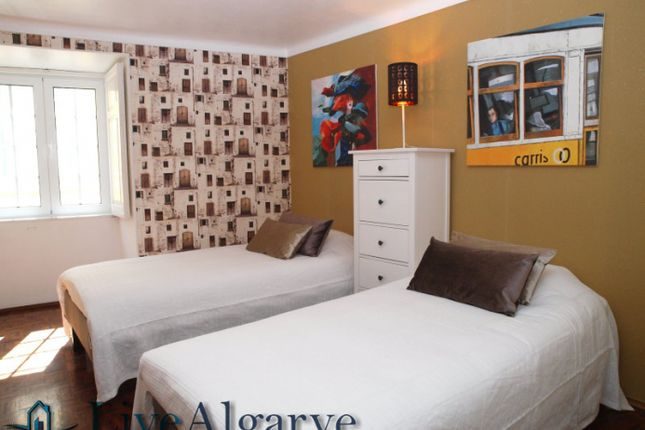 Great Renovated Town House In The Historical Center, Lagos