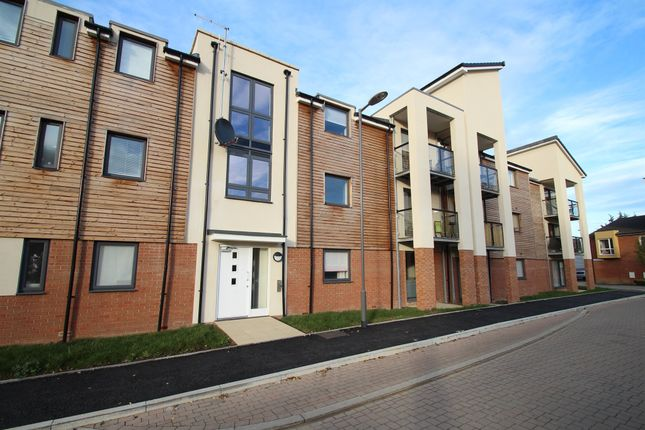 1 bed flat for sale in Putman Street, Aylesbury