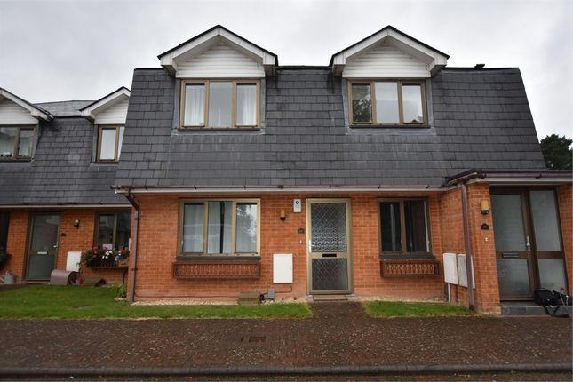 2 bed maisonette to rent in Braeside, Binfield, Bracknell, Berkshire