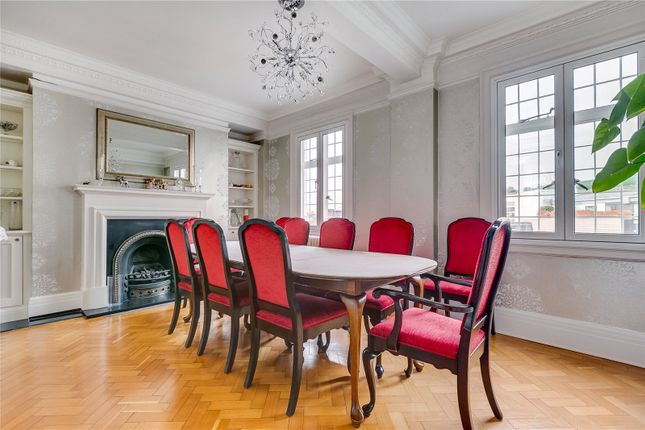 Dining Room of Chiltern Court, Baker Street, London NW1