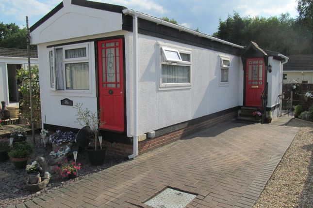 Mobile/park home for sale in Mytchett Farm Park (Ref 5951), Mytchett, Camberley, Surrey