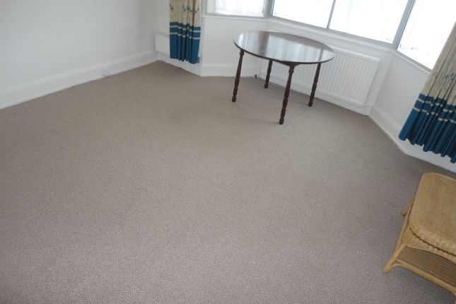 Thumbnail Flat to rent in Great South West Road, Hounslow
