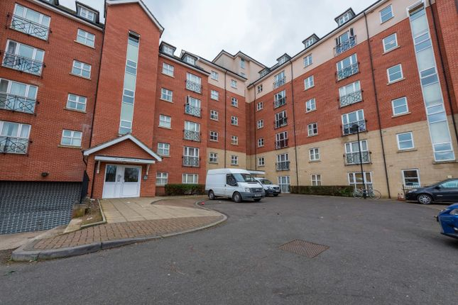 Thumbnail Flat for sale in Britannia House, Palgrave Road, Bedford