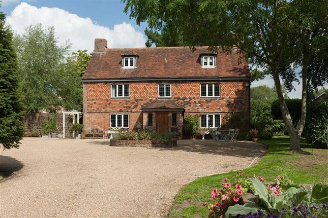 Thumbnail Detached house for sale in Kingsnorth, Ashford