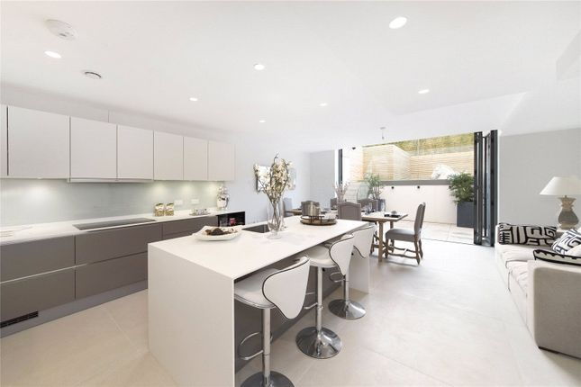 Thumbnail End terrace house to rent in Mills Row, Chiswick, London