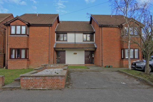 Studio for sale in Oak Avenue, Ickenham, Uxbridge UB10