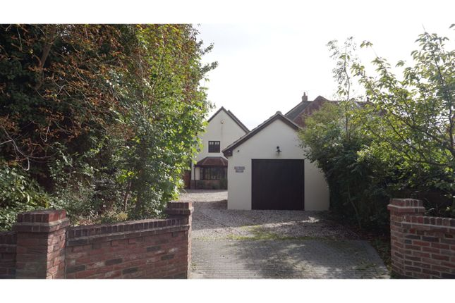 Thumbnail Detached house for sale in London Road, Braintree
