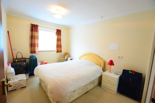 Thumbnail 2 bed flat to rent in 124 Holland Road, Brighton