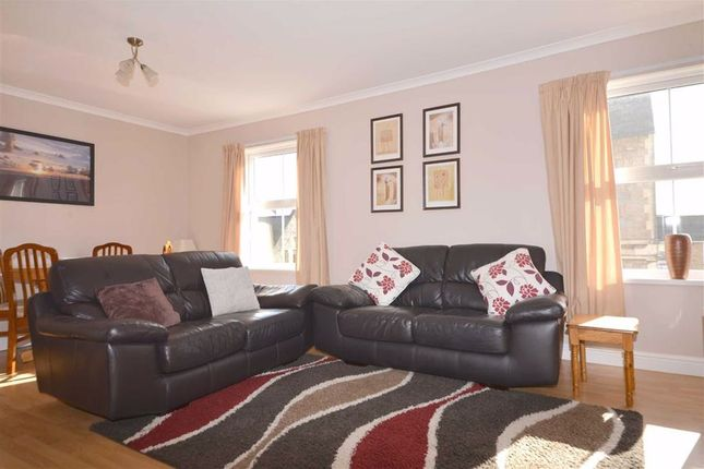 Thumbnail Maisonette for sale in 3B, Arcadia House, Tenby, Dyfed