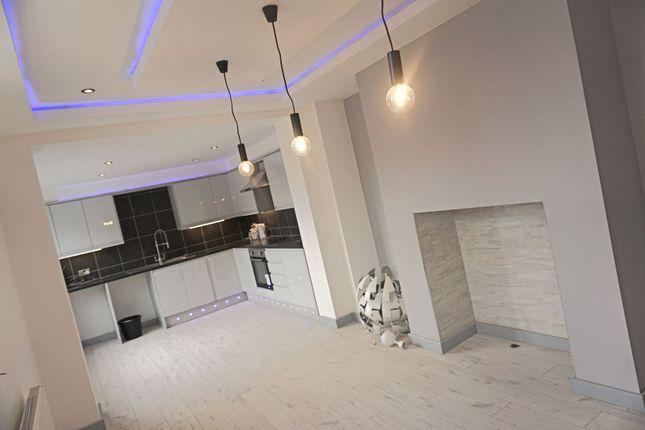 Kitchen of Saunders Road, Blackburn BB2