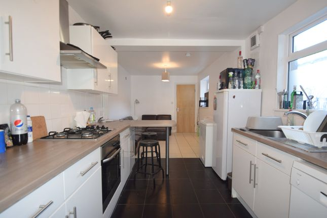 6 bed terraced house to rent in Harriet Street, Cathays, Cardiff CF24