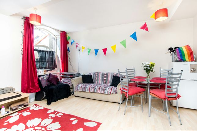 2 bed flat to rent in Old Fire Station Court, Rotherhithe Street, Rotherhithe