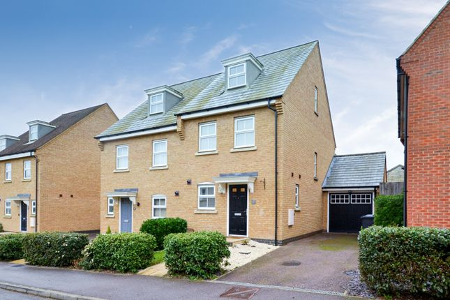 3 bed town house for sale in North Lodge Drive, Papworth Everard, Cambridge CB23
