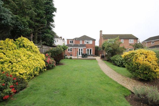 Thumbnail Detached house for sale in Banbury Road, Kidlington