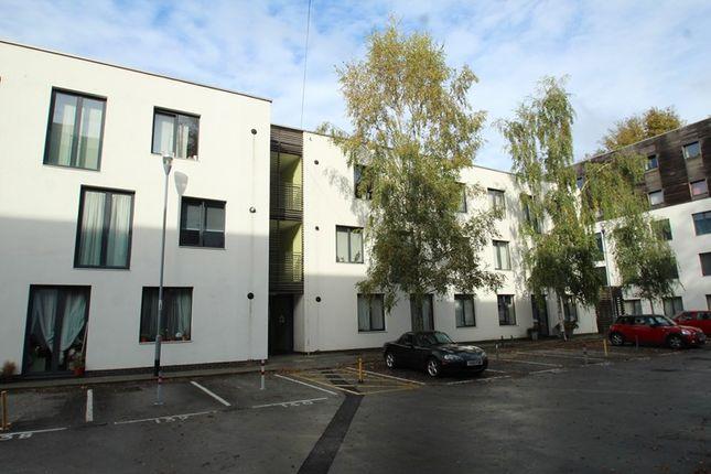 Picture No. 1 of Grenstead Court, Godstone Road, Whyteleafe, Surrey CR3