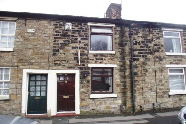 Thumbnail Cottage to rent in Smith Street, Hyde