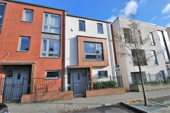 Thumbnail End terrace house to rent in Wall Street, Plymouth