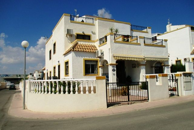 Semi-detached house for sale in Urbanización La Marina, San Fulgencio, La Marina, Alicante, Valencia, Spain