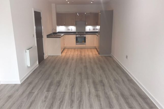 Thumbnail Flat to rent in Cunningham Way, Leavesden, Watford
