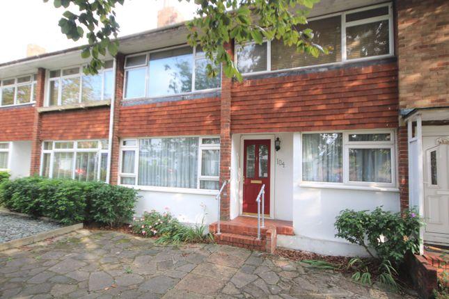2 bed maisonette for sale in High Street, Shepperton TW17