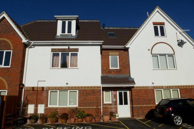 Thumbnail Flat to rent in Wimborne Road East, Ferndown